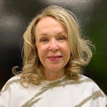 Laura Moore , Tutor