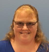 Julie, Instructor