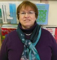 Judy Everly, Tutor